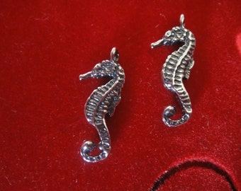 925 sterling silver oxidized seahorse charm 1 pc.