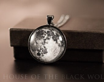 LA PLEINE LUNE Gunmetal Necklace - Space Jewelry, Moon Necklace