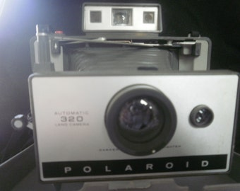 Polaroid 320 Automatic Land Camera with Folding Bellows