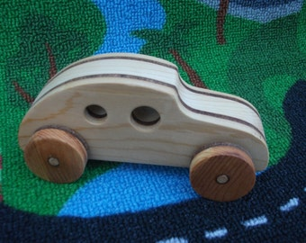 Handmade, wooden 3-Tone beetlebug car