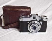 RARE Pentacon Taxona ( aka Zeiss Ikon Tenax I ) square format 35mm viewfinder