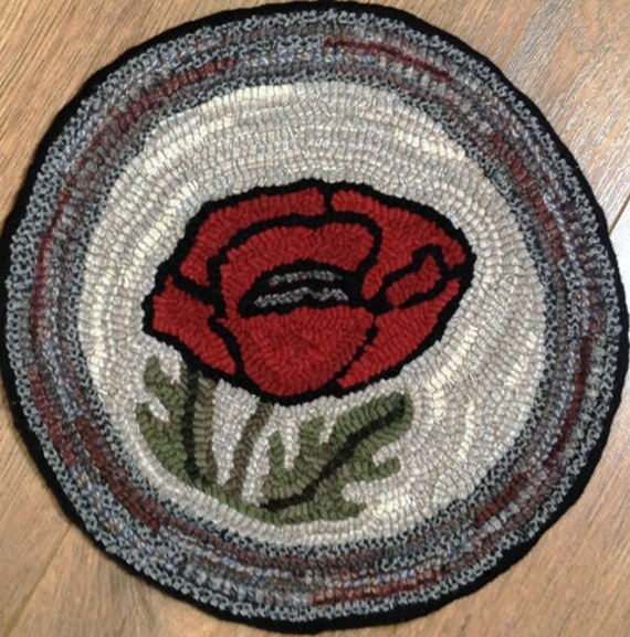 Rug Hooking Pattern for Poppy Chair Pad, on Monks Cloth or Primitive Linen, P100