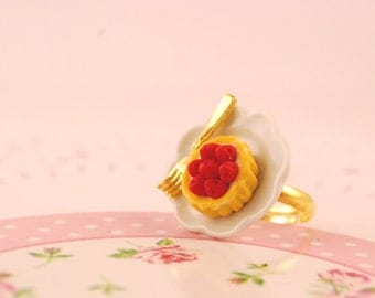 strawberry tartlet ring - food jewelry