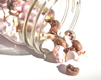 Small Pink Cake Cabochon- Set of 4