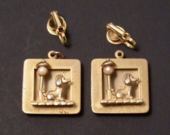 Adorable dog with pearl lamppost earrings 3 dimension