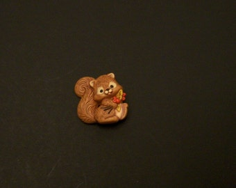 vintageSquirrel Brooch