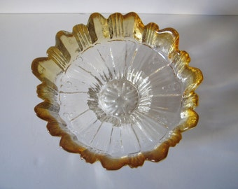 vintage Finnish Humppila art glass bowl with scalloped edges designed by Pertti Santalahti