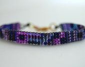 Purple skinny beaded geometric bracelet with gold lobster clasp - Inspired by the color wheel