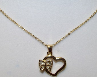 Fashion Jewelry- Lovely Heart with Bowknot Charm Pendant in Gold Necklace