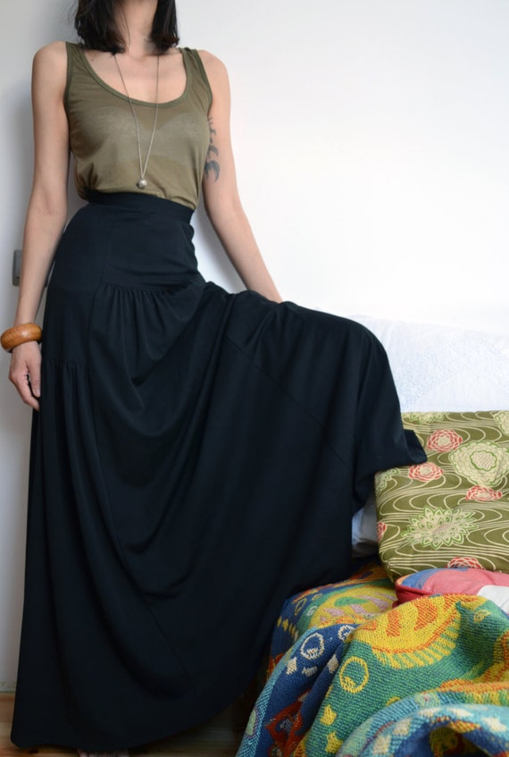 High Waisted Black Maxi Skirt MINIMALIST 70s STRUCTURED