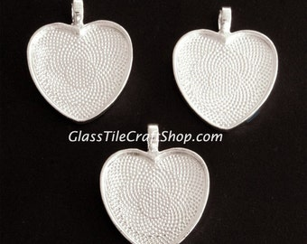 10 Heart Bezel Trays - 25mm - Sterling Silver Plated. (25MHTSSP)