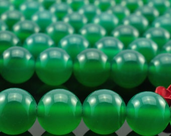 48 pcs of  Green agate smooth round beads in 8mm