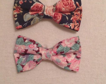 HAIR BOW - Vintage Floral Print (Specify Navy/Pink and Clip/Barrette)
