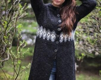 Handknitted design cardigan from 100% icelandic wool