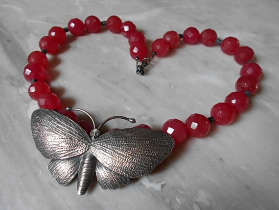 Sale 50 Off Vintage Cherry Red Jade Necklace Sterling