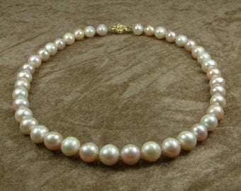 White - Pink Pearl Necklace 10.5 - 11.5 mm