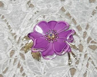 Vintage brooch, flower design.