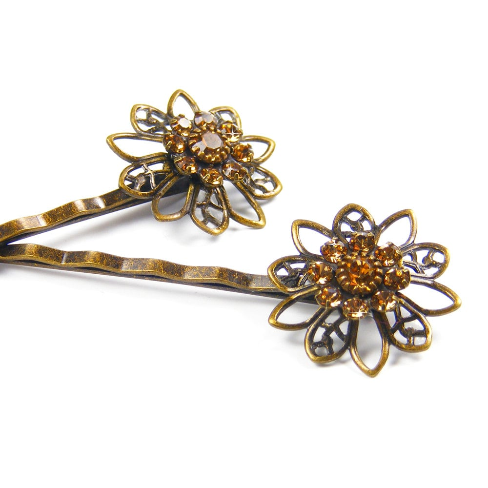 Crystal Hair Pins, Vintage Style Bobby Pins with Swarovski crystal flowers, Vintage Wedding Updo, Brass Hair Grips
