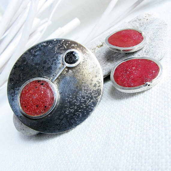 Crushed Gemstone For Inlays : Crushed stone inlay pin and ear clip set