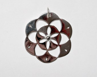 Seed Of Life pendant. Mandala Pendant. Silver mandala pendant. Geometric pendant. Mandala lovers. Mandala jewelry. Gift for her.