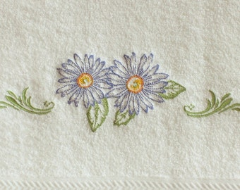 Hand Towel, embroidered towel, Spring decor, home decor, bath decor, bath hand towels, towels, flower decor, decorative towels,