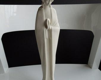 Figurine sculpture