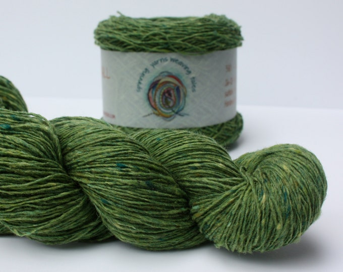 Spinning Yarns Weaving Tales - Tirchonaill 536 Green 100% Merino Yarn for Knitting, Crochet, Warp & Weft