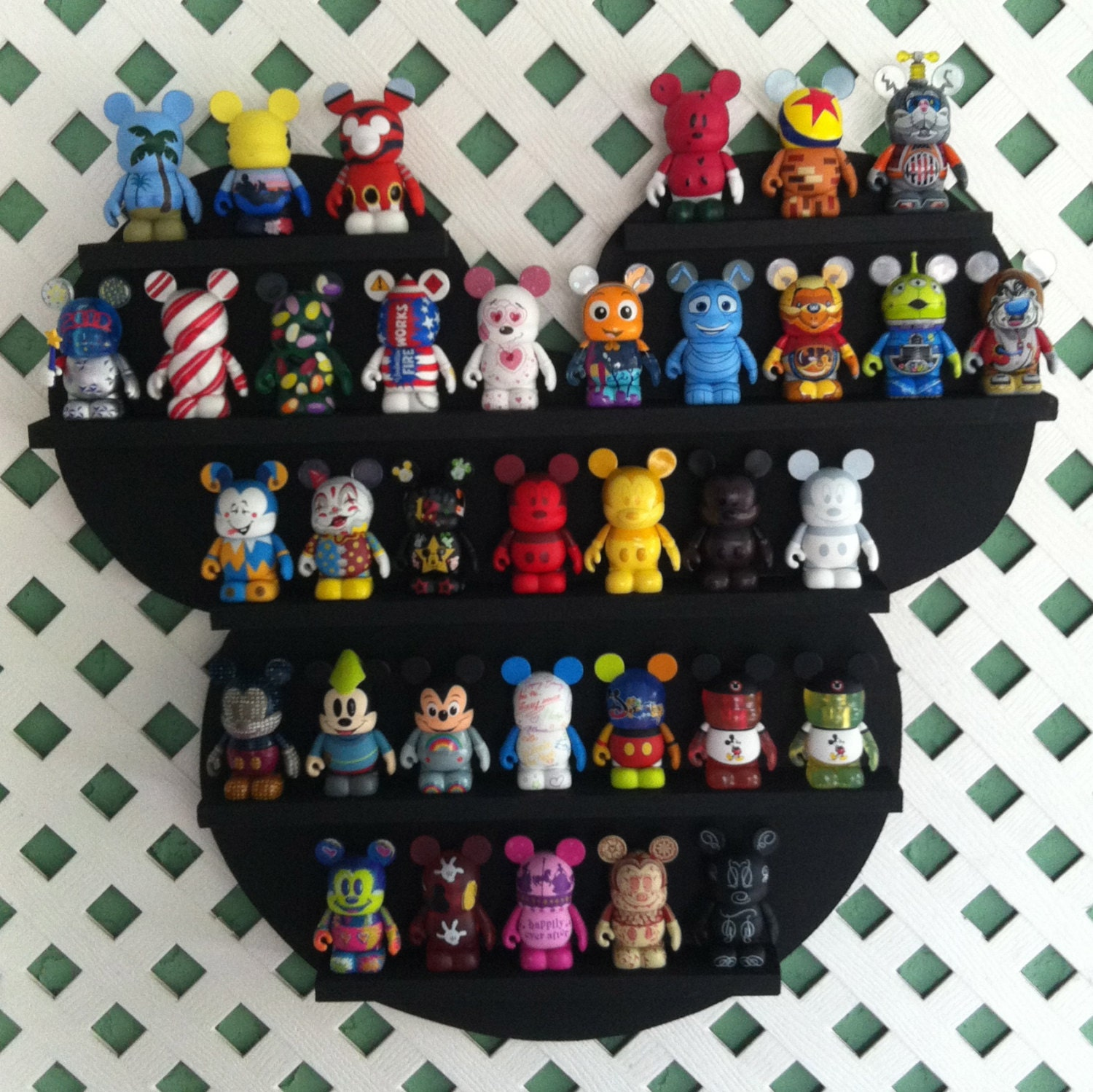 Vinylmation Mickey Shelf