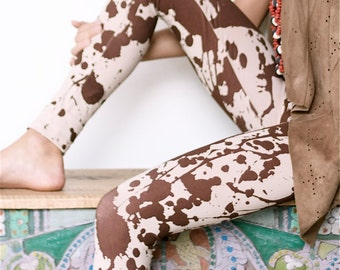 Leggings with handmade print.