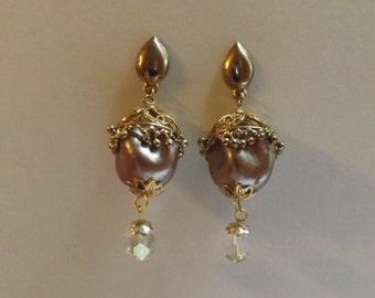 Vintage Pearl Mocha Latte Earrings
