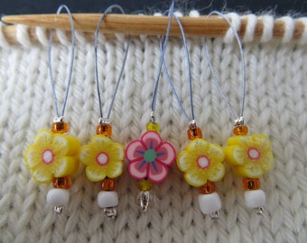 Snagless stitch markers, yellow polymer flower beads, 25mm loop, set of 5
