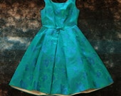 1950's VINTAGE PARTY dress // STUNNING green