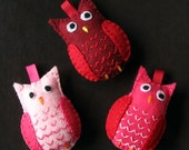Hoot Owl embroidered felt Christmas tree ornaments in pink and red (set of 3 birds)