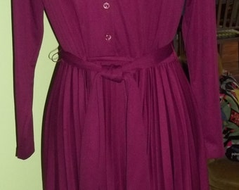 Ultra SLEEK 1970's Cranberry Poly Knit Dress - Fit for a Fashion Princess