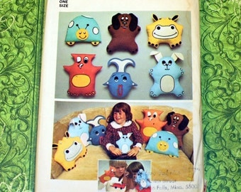 UNCUT Vintage Simplicity Pattern 7228, Animal Pillows, Toys & Puppets