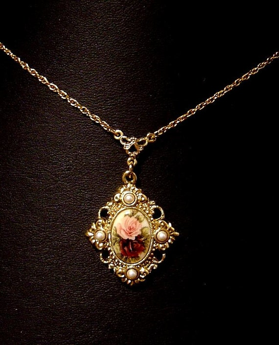 Vintage Necklace 1928 Jewelry Co Roses And Faux Pearls