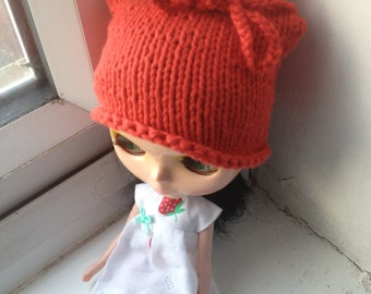 Knitted hat for Blythe - Red