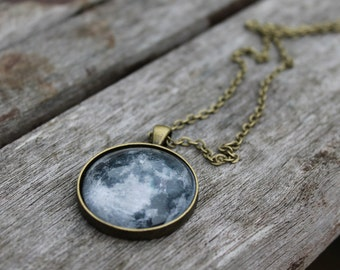 Full Moon necklace La luna - LARGE Glass Dome Moon phase Necklace