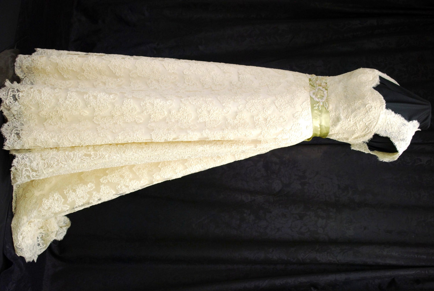 Lace Wedding Dress Keyhole Back Vintage Inspired By BellaVittoria