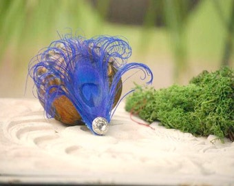 Sparkly Royal Blue Peacock Hair Clip / Comb / Bobby Pin. Simple Elegant Feather Pearl / Rhinestone Accessory. Feminine Teen Statement Hair