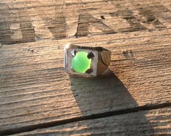 1970s chrysoprase sterling silver ring size 8 lovely mint green