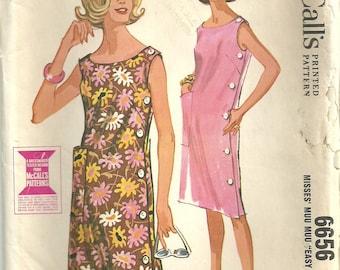 Vintage 60s Sewing Pattern / Summer Dress Shift Muu Muu / McCalls 6656 / Size Small