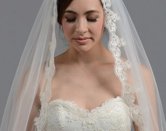 Mantilla bridal wedding veil fingertip alencon lace