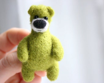 SUMMER SALE! -40% !! Felted bright green bear brooch