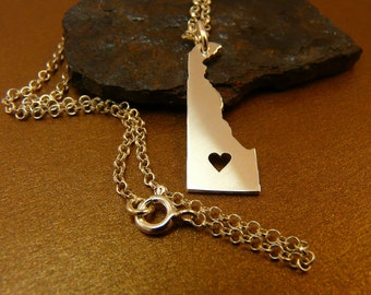 Delaware Handmade Personalized Sterling Silver .925 Necklace in a gift box