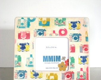 Retro Camera Picture Frame