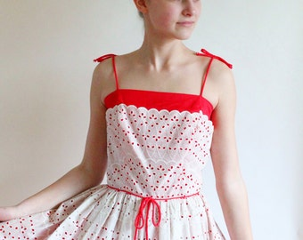 50s dress - 1950s eyelet dress - 50s full skirt dress - vintage cotton party dress - small xsmall