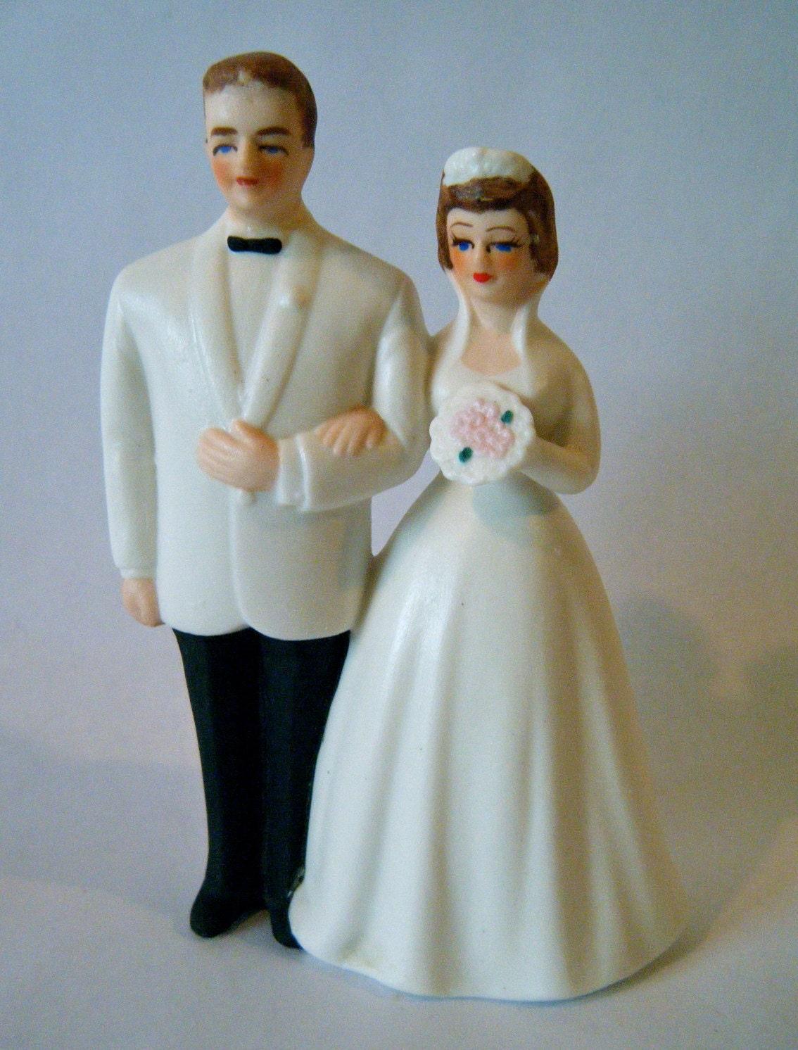 vintage wedding cake topper mid century bride and groom. Black Bedroom Furniture Sets. Home Design Ideas
