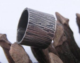 Sterling Silver Oxidised Wide Hammered Ring. Sterling Silver Hammered Band.  Sterling Silver Textured Ring.  Handmade jewelry by ZaZing