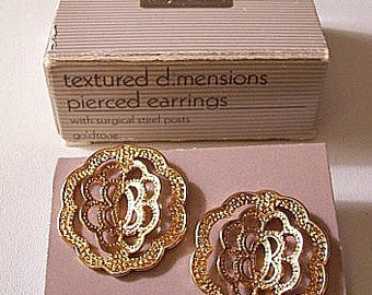 Scalloped Discs Pierced Earrings Gold Tone Vintage Avon Textured Dimensions Round Open